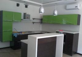 черная и зеленая классика - дизайн кухни воронеж